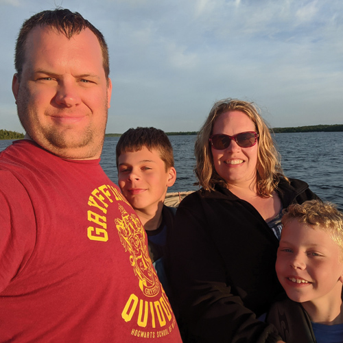 kyle-olson-pic-of-family500x500.jpg